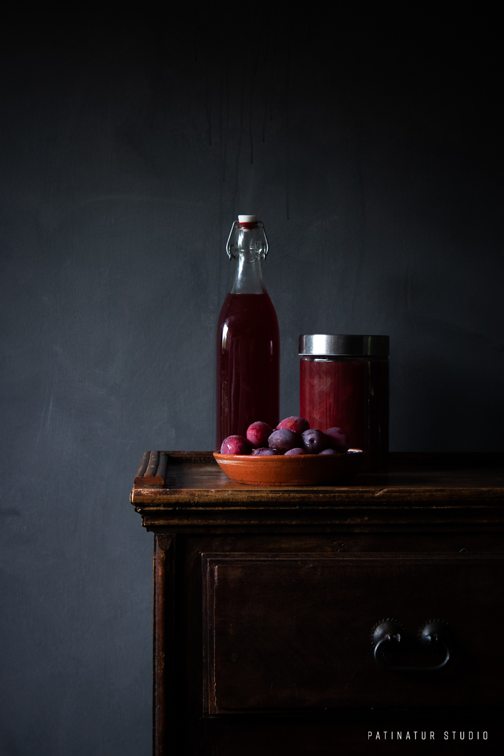Photo art | Dark and moody still life with plums, plum jam and plum sirup